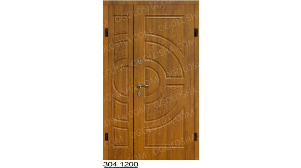 Двери входные металлические с ковкой и стекло-пакетом полуторные