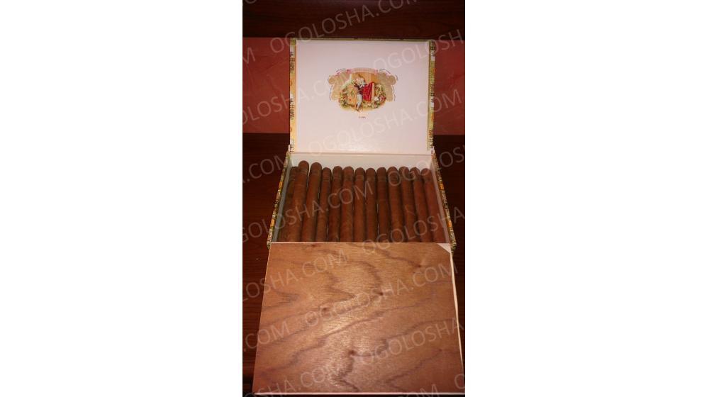"""Елітні кубинські сигари ручної скрутки з приватної колекції """"Черчиллс"""" та """"Робайна 1845""""."""