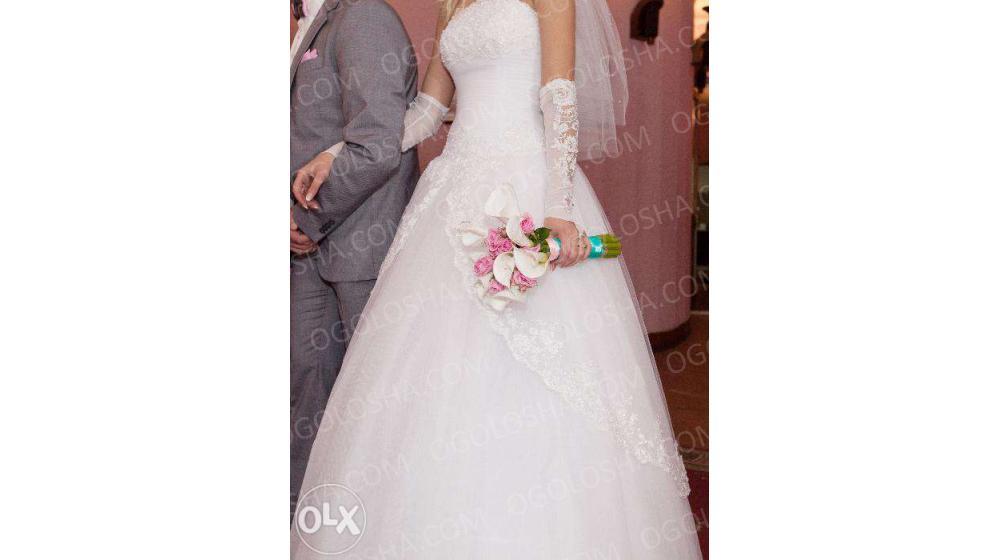 Продам свадебно платье свое.