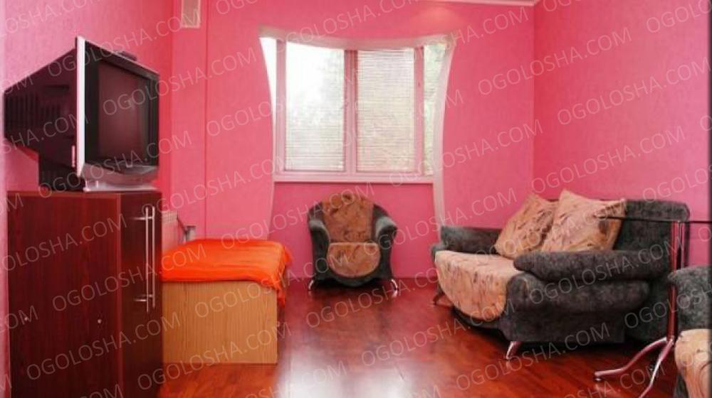 2 комнатная квартира посуточно улица Якуба Коласа