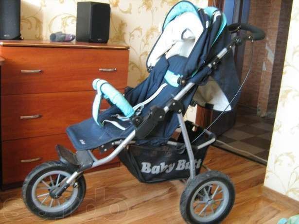 Продам трехколесную прогулочную коляску, колеса большие надувные
