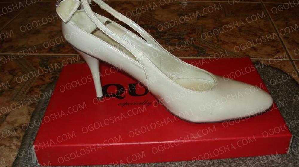 Лаковые классические туфли