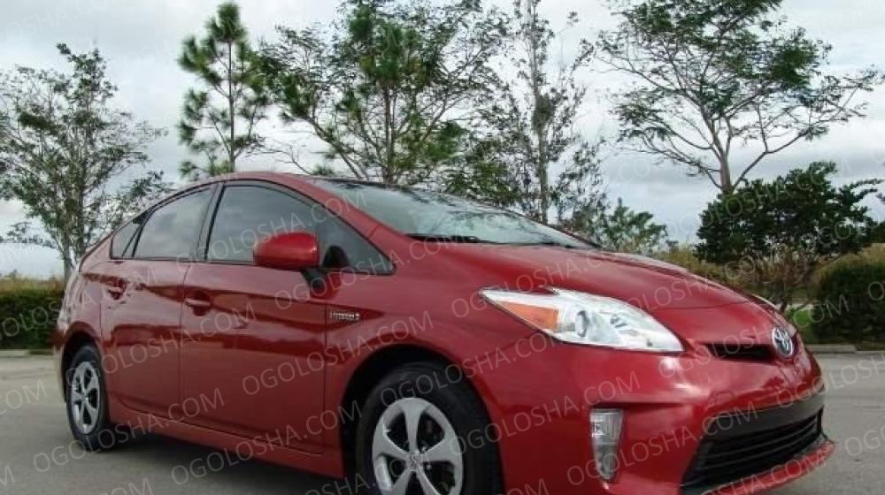 2013 Toyota Prius Автомобиль