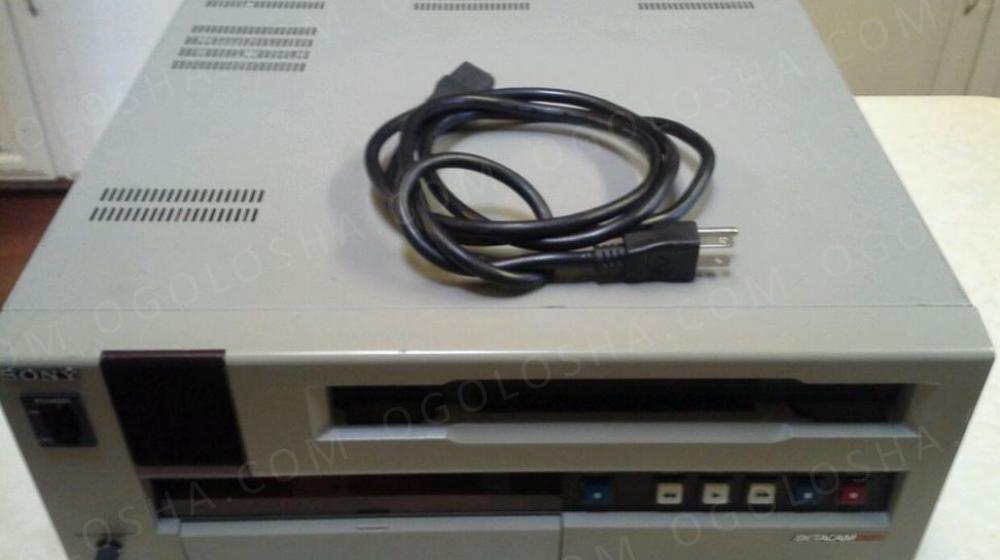 Профессиональный Betacam Sony UVW-1400