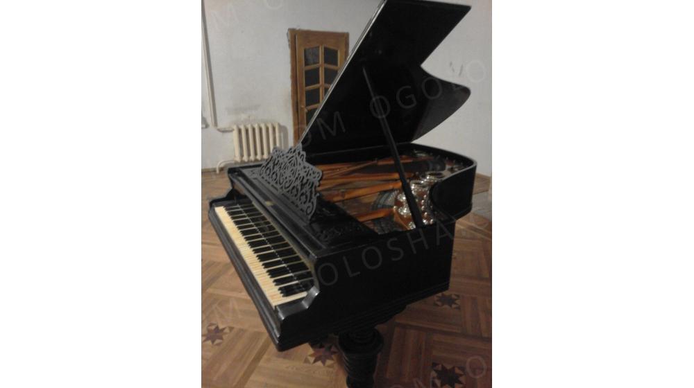 Продаю рояль
