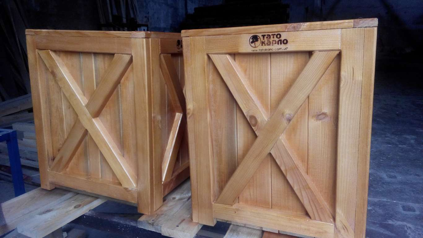 Деревянные кашпо, ящики для цветов из дерева