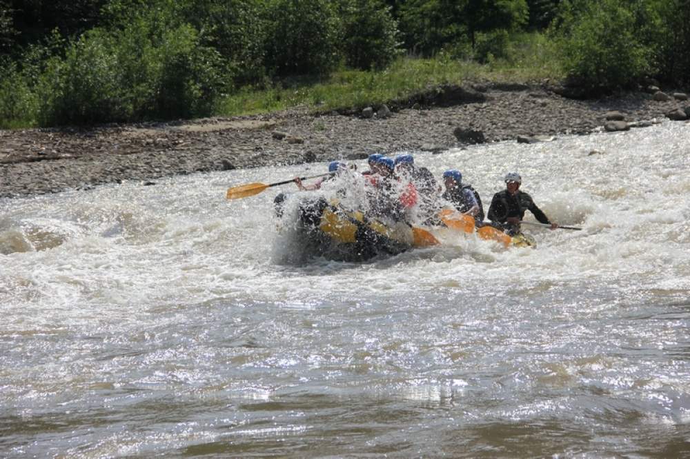 Рафтинг по Черемошу и Смугаровские водопады с Буковина Х тур