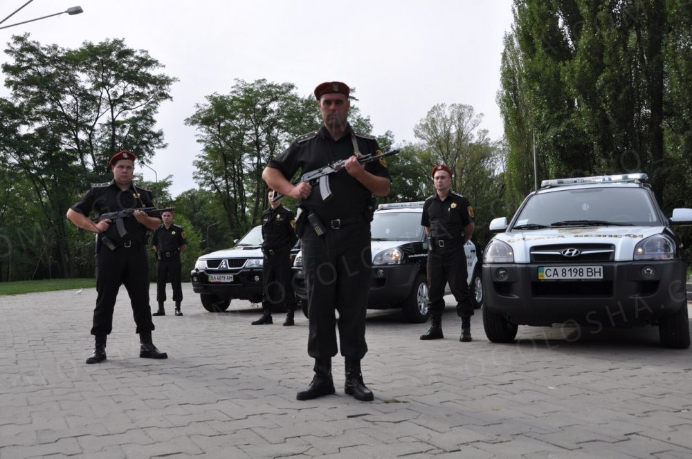 Охранники дневные смены Киев