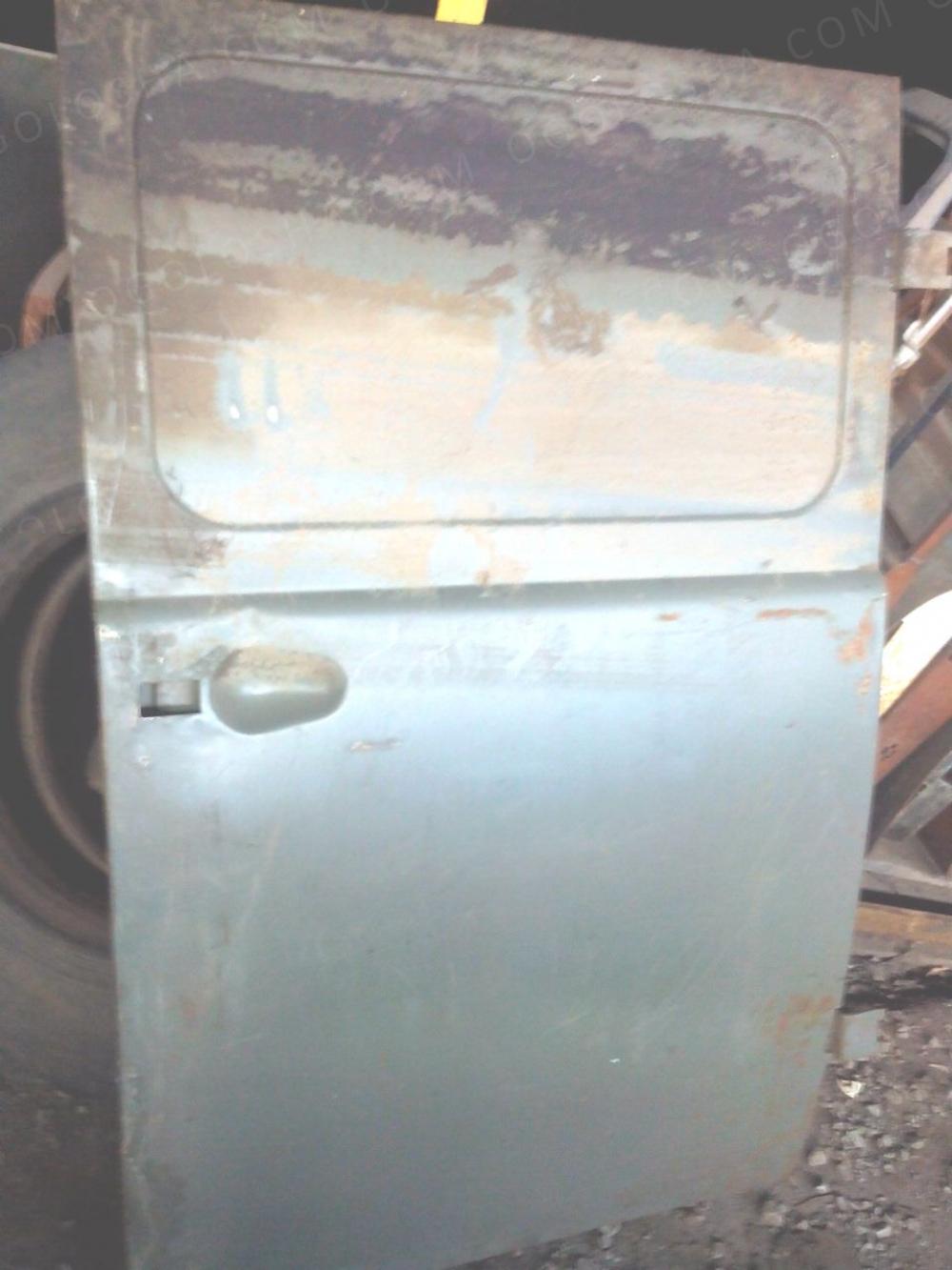 Продам в Полтаве двери  боковые УАЗ-451 (булка) , отсека салона, грунтованные, 451-6200014.