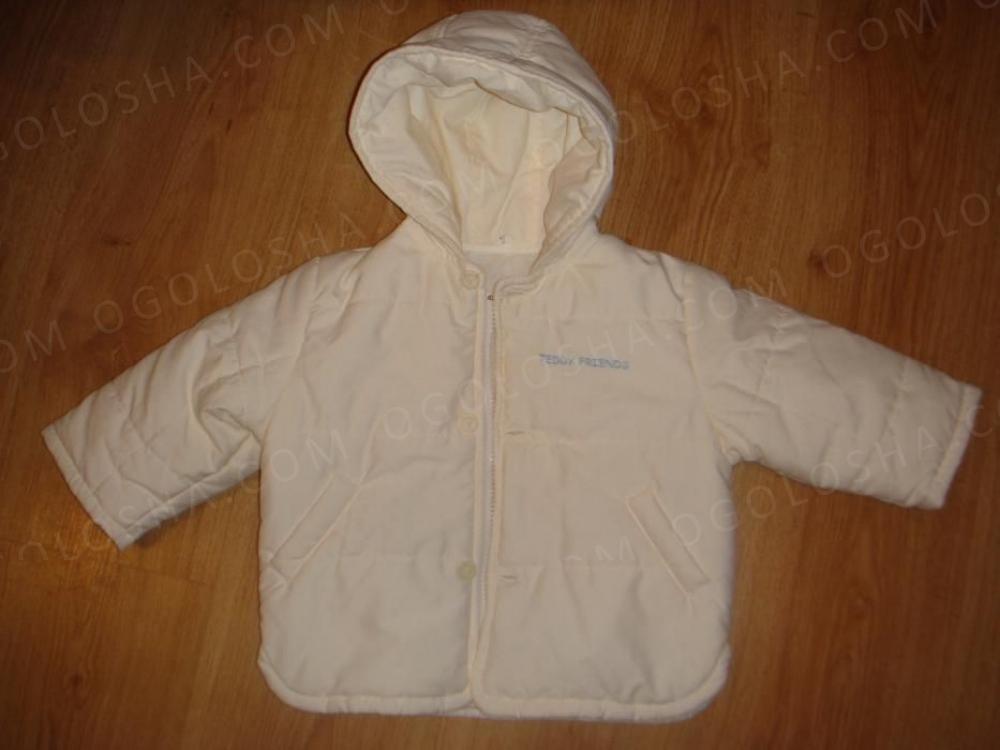 Продаю красивую белую курточку 68-76размер
