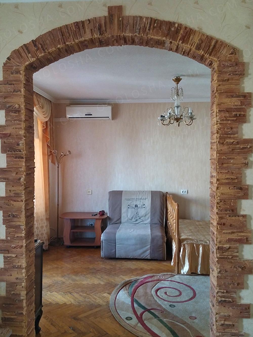 Ухоженная квартира после ремонта, рядом метро Святошин, своя