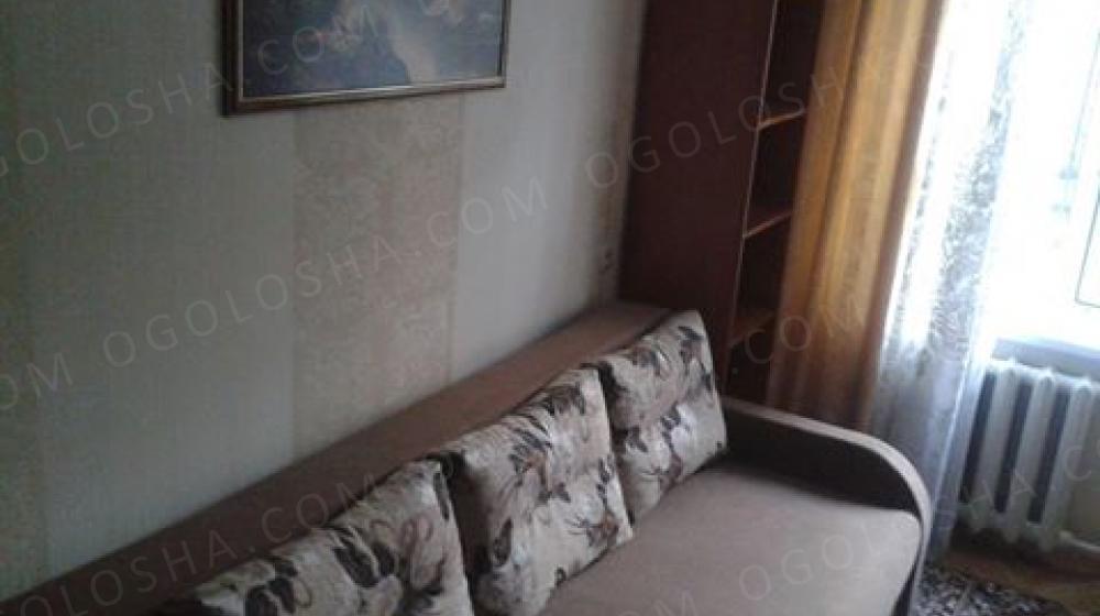 Господарі пропонують 2-кімн. на Райдужній