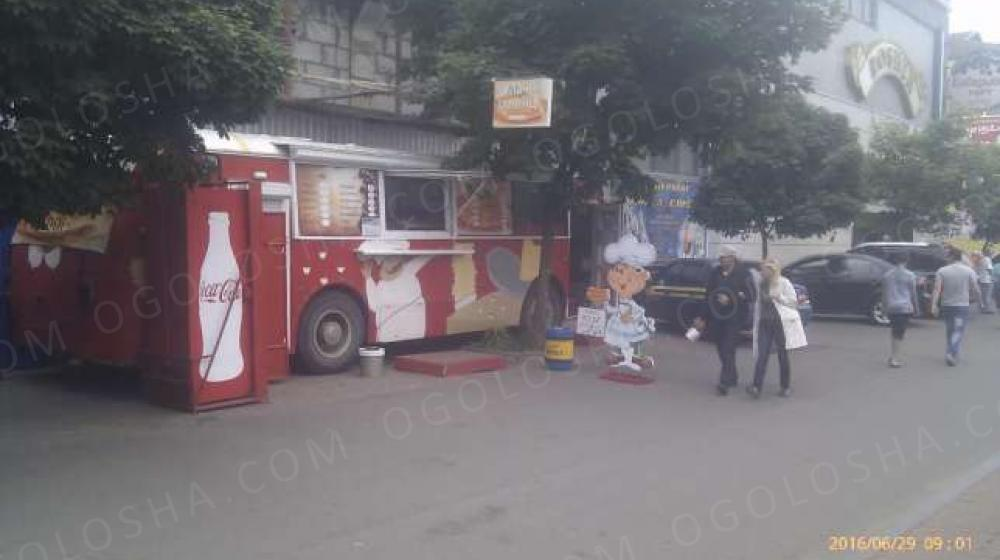 Кафе-автобус работающий бизнес
