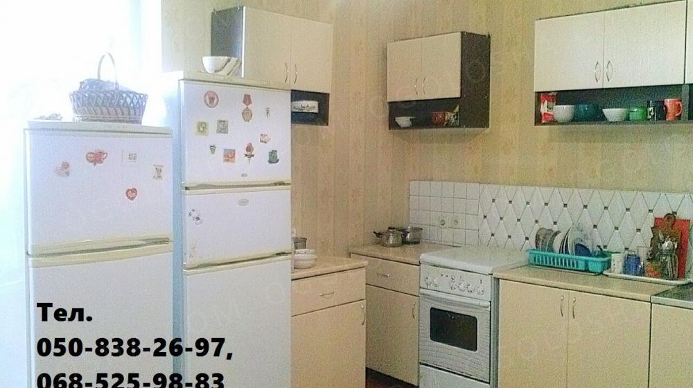 Хостел. Место со всеми удобствами в уютной квартире. 70-сутки, 320-неделя, 1100-месяц.