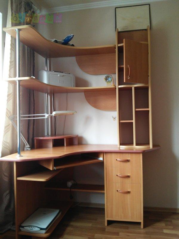 Продам мебель (стол, кресла, диван, шкаф): договорная - дом .