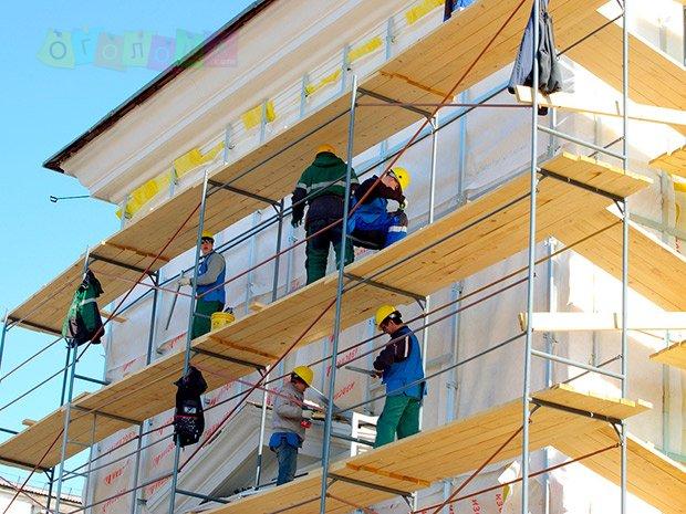 Фасадные работники в Польшу