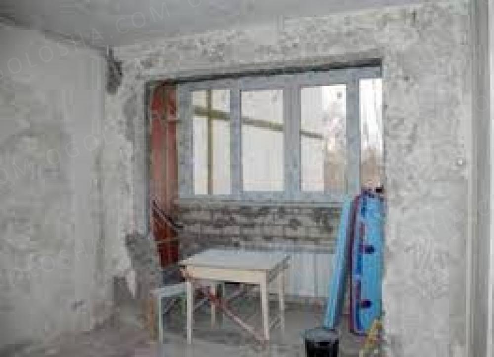 Распашные двери балконные: особенности монтажа.