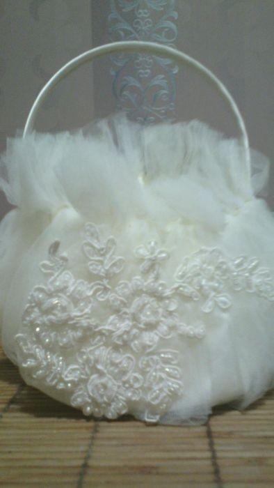 Продам свадебную сумочку цвет айвори