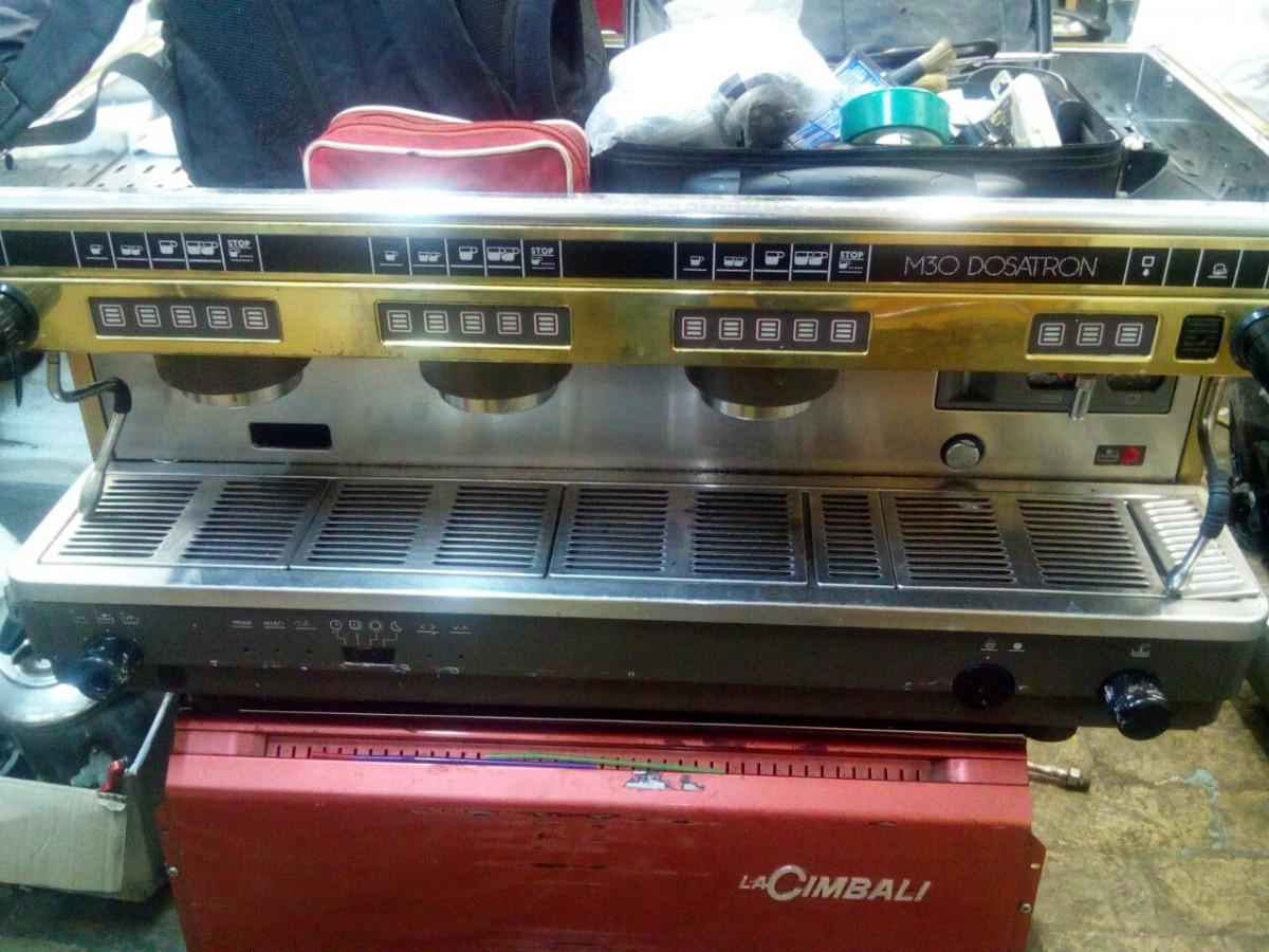 Профессиональная кофеварка (кофемашина) la Cimbali m30