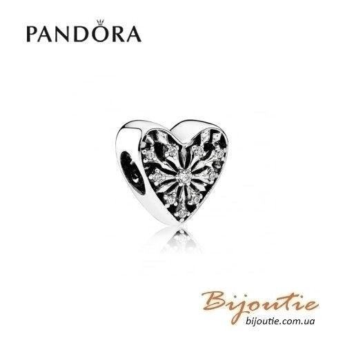 Шарм PANDORA сердце зимы ― 791996CZ