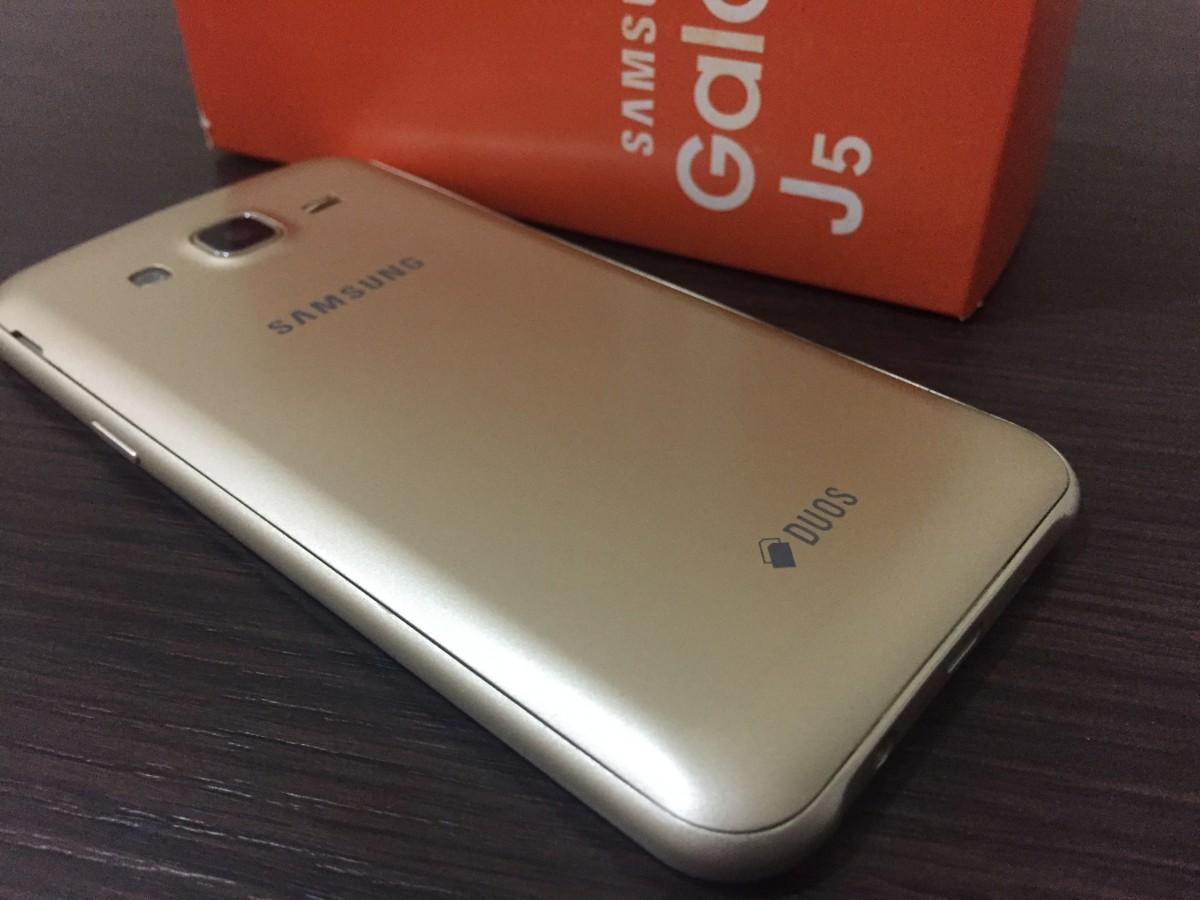 ХИТ ПРОДАЖ !!! Смартфон SAMSUNG J5 / Телефон Самсунг 5.2' дюйма/ 2 SIM / 8 мп / 16GB /  6 ядер