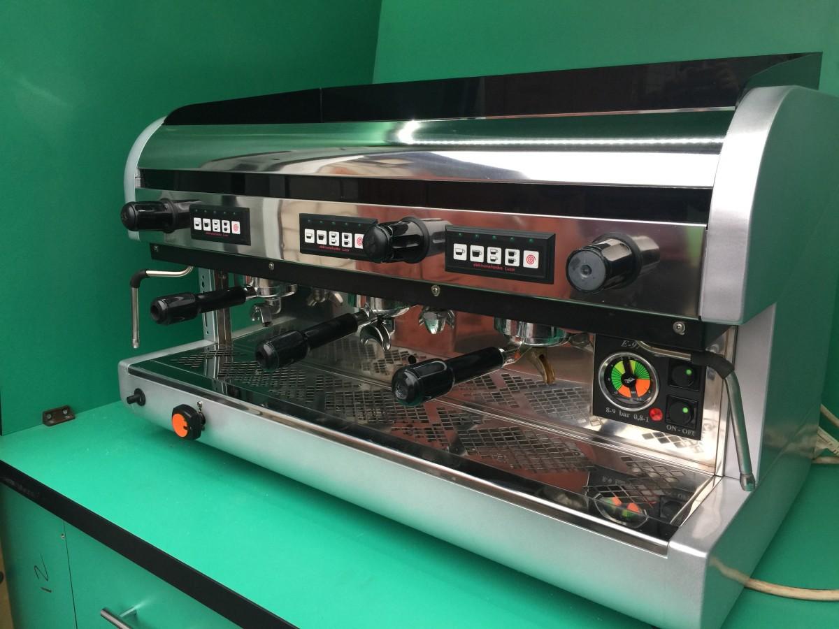 Профессиональная кофеварка Emonec E97