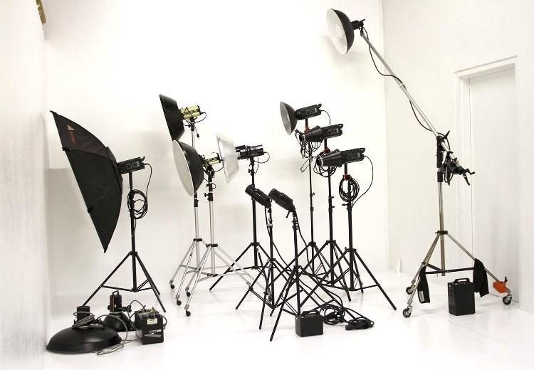 Готовые комплекты студийного света