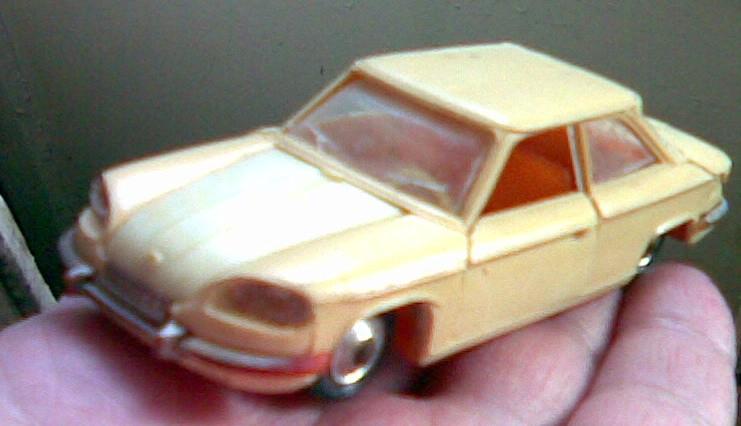 Масштабная модель 1:43 Panhard 24BT (пластик), Грузинская ССР