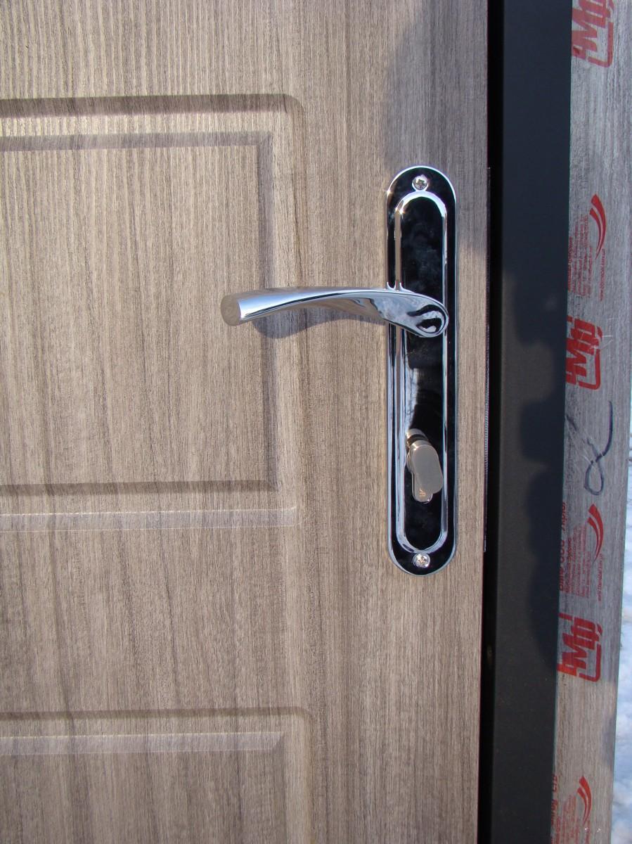 Двери входные с МДФ в доме (модель М2+) 960х2050