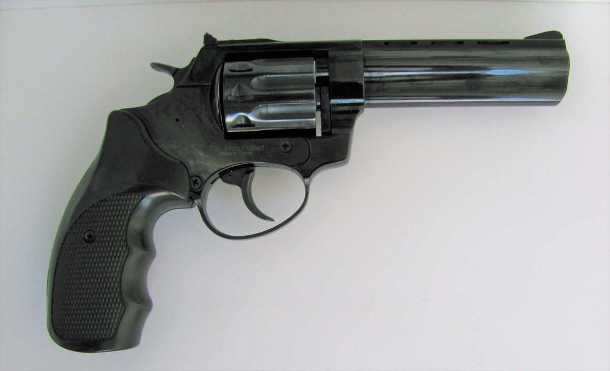 Продам револьвер под патрон флобера Ekol viper 4.5