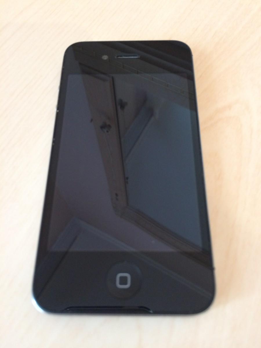 Продам Apple IPhone 4s 8Gb Black 2150грн