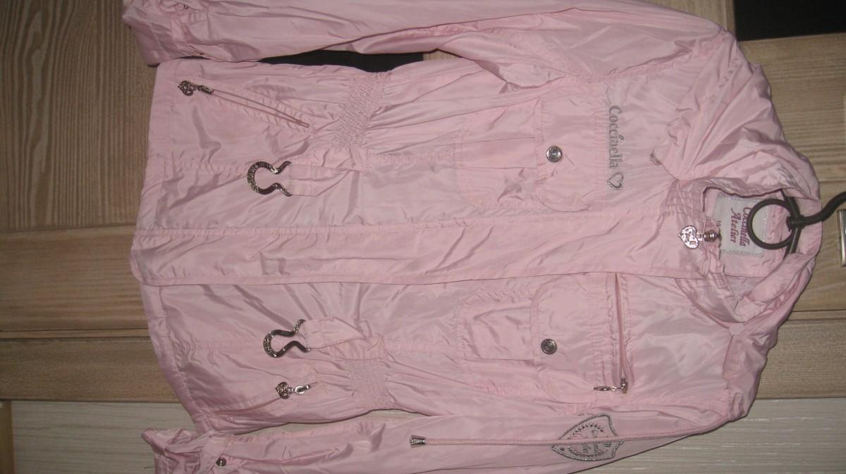 куртка-ветровка фирменная для девочки 6-9 лет в идеальном состоянии