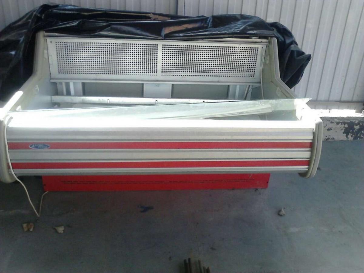 Продам торговый холодильник витрина