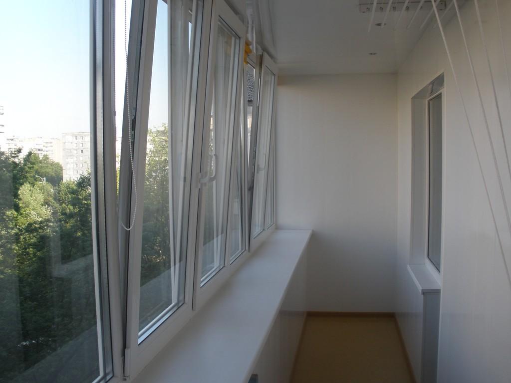 Пластиковые балконы и лоджии rehau под ключ от...: 1 700 грн.