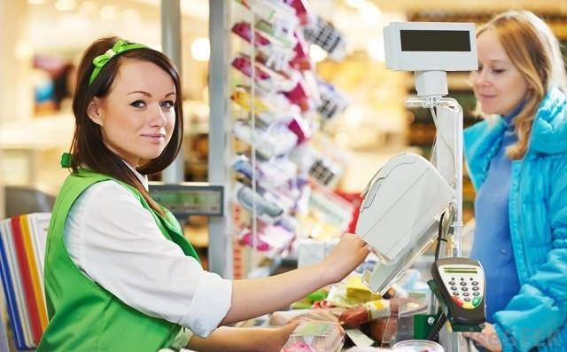 Продавец в магазин в Польше