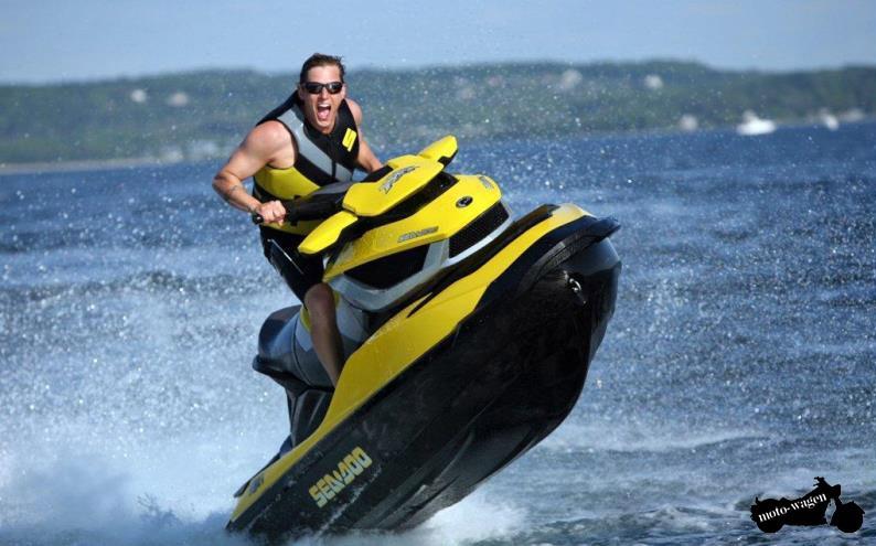 Инструктор проката водных мотоциклов