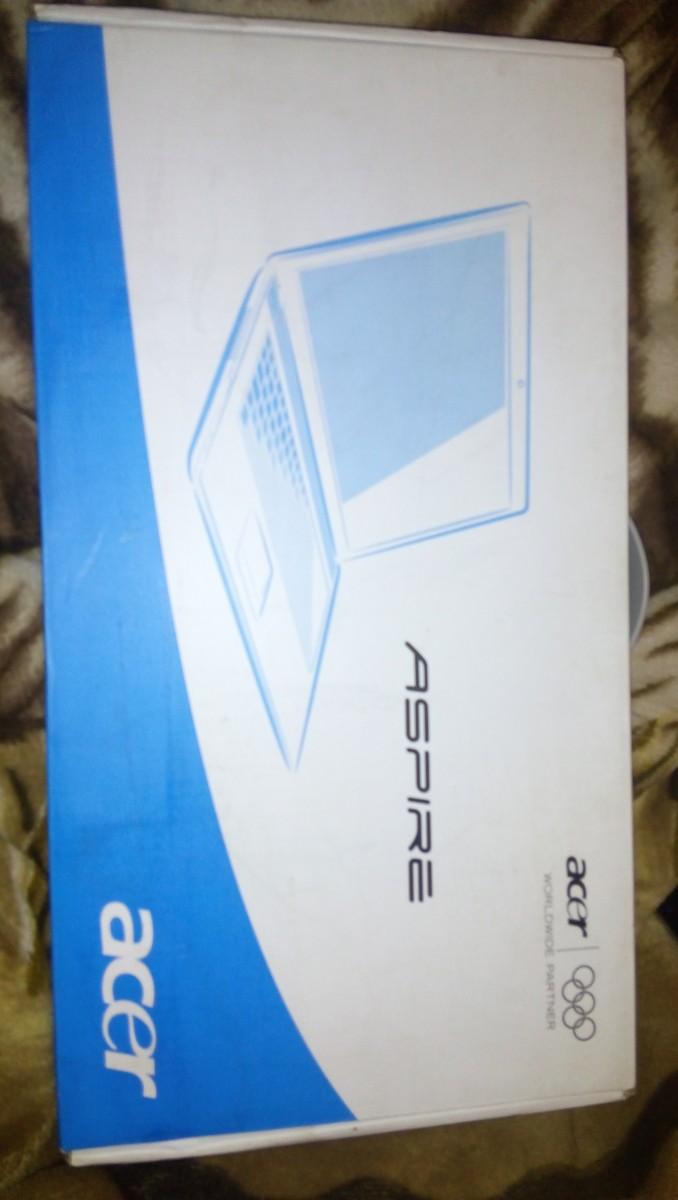 Продам ноутбук состояние нового