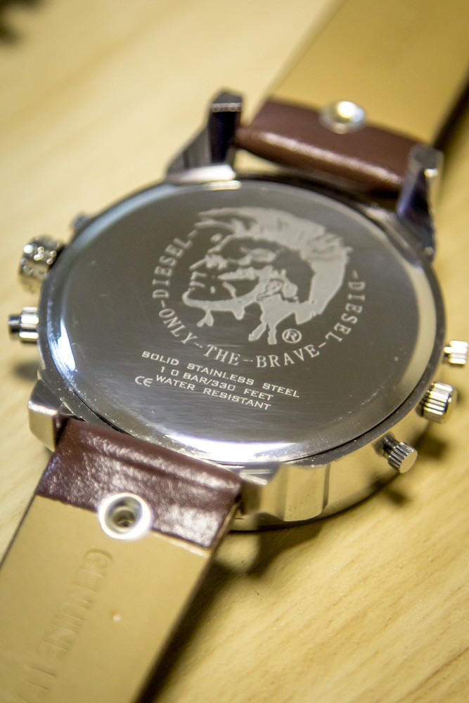 часы diesel brave оригинал и копия имеют свойство оставлять
