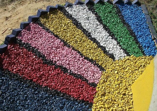 Цветной декоративный щебень