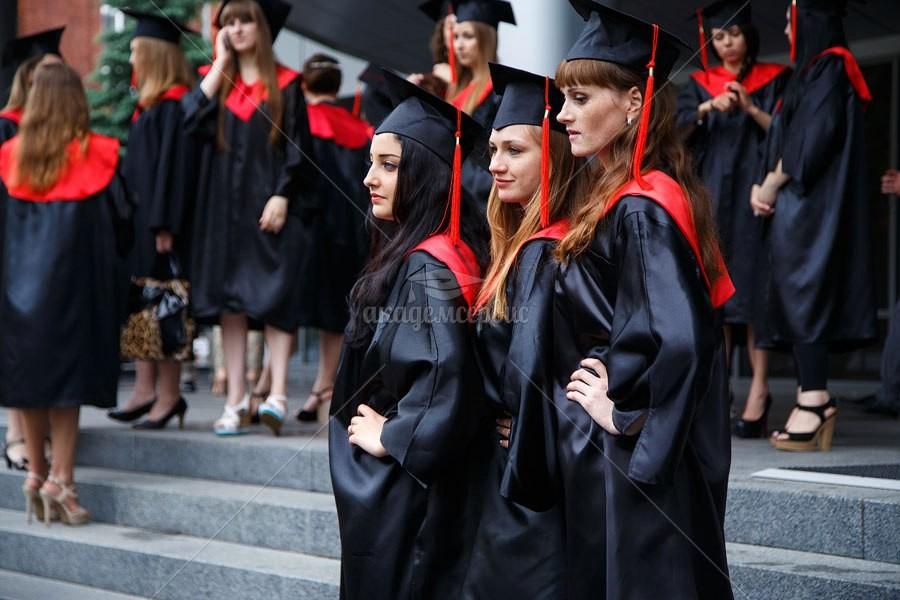 Академические мантии для выпускников. Пошив, аренда, продажа.