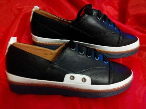 Стильные женские туфли мокасины слипоны