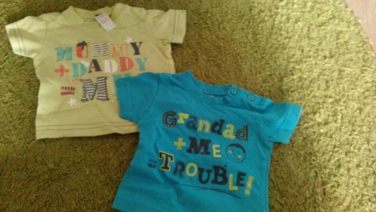 Детские распашонки, футболки, шапочки