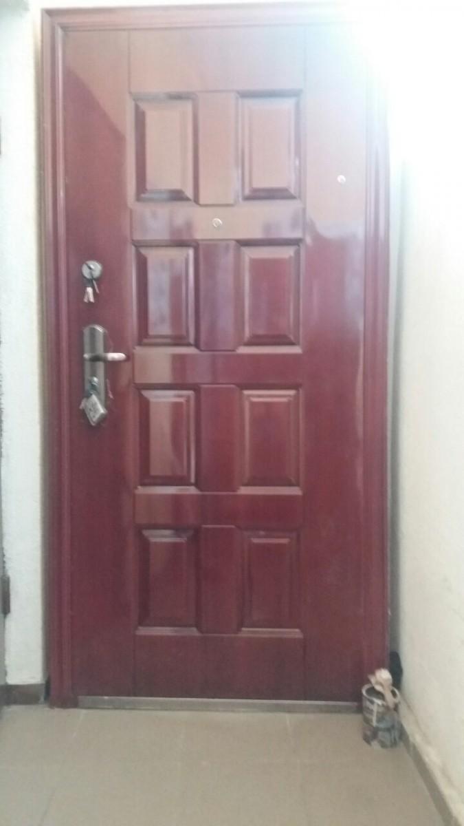 Двері вхідні б у