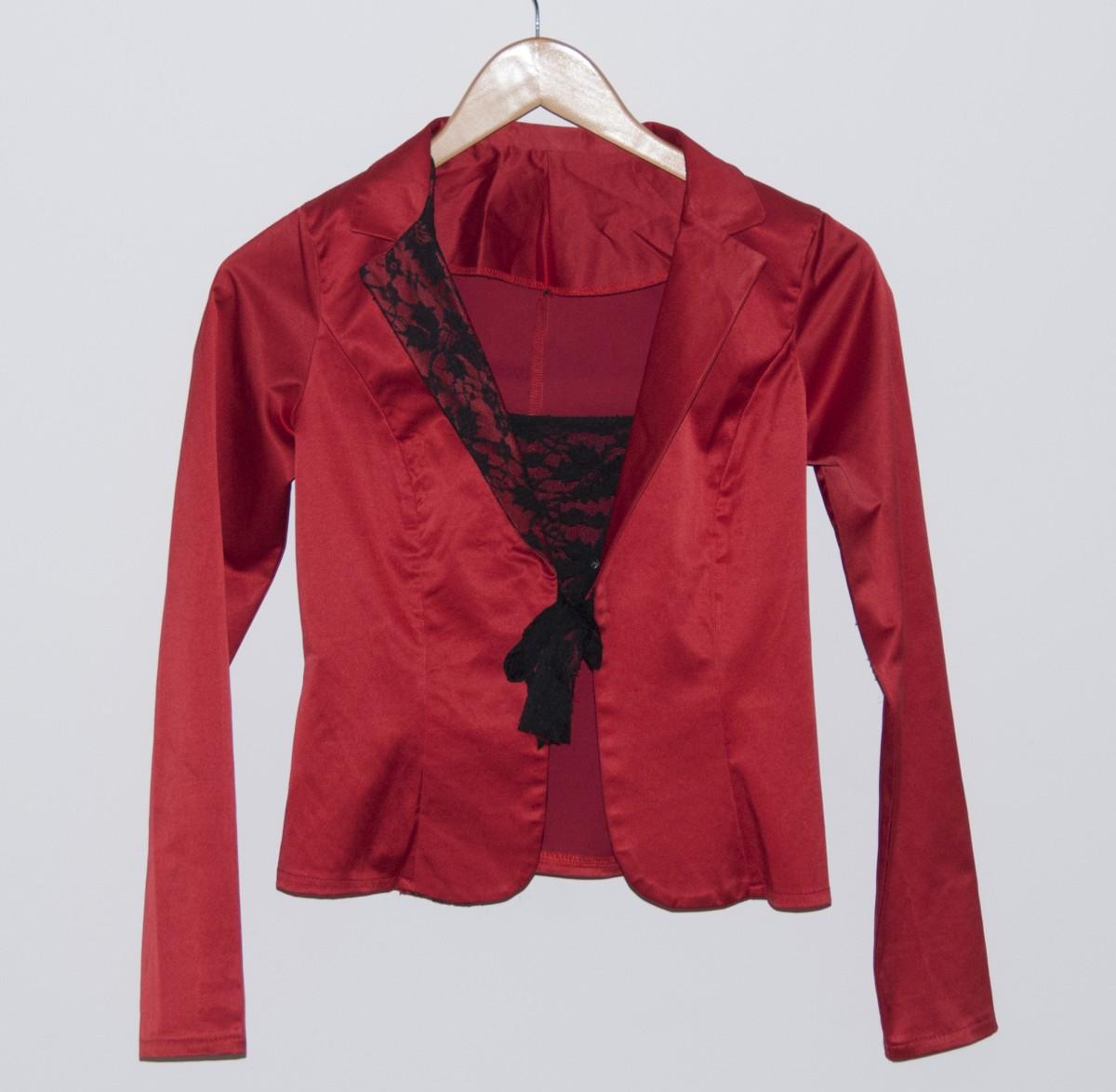 Атласный пиджак с кружевом, S