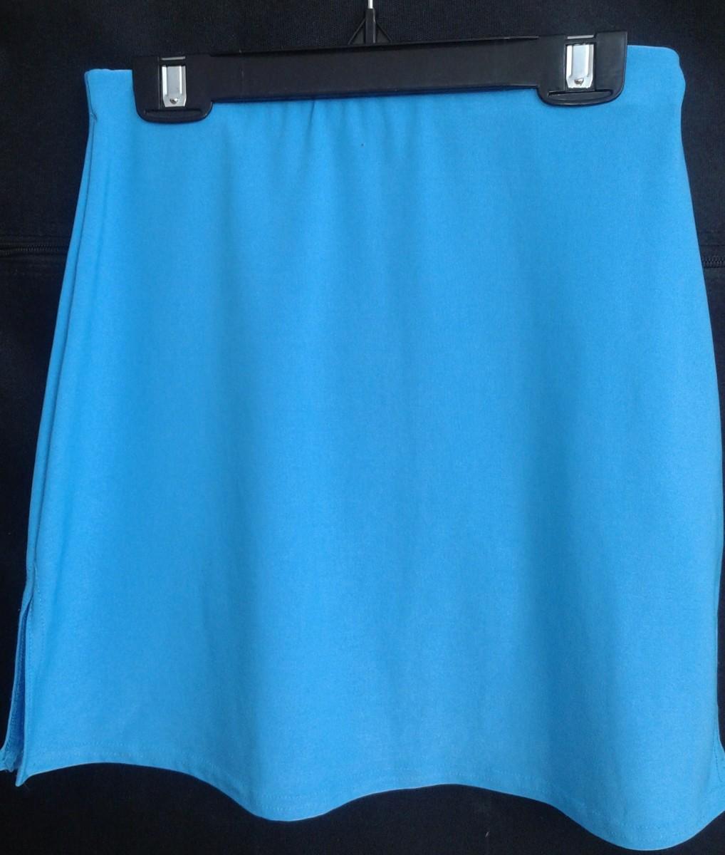 две летние спортивные юбки для девочки 10-11 лет