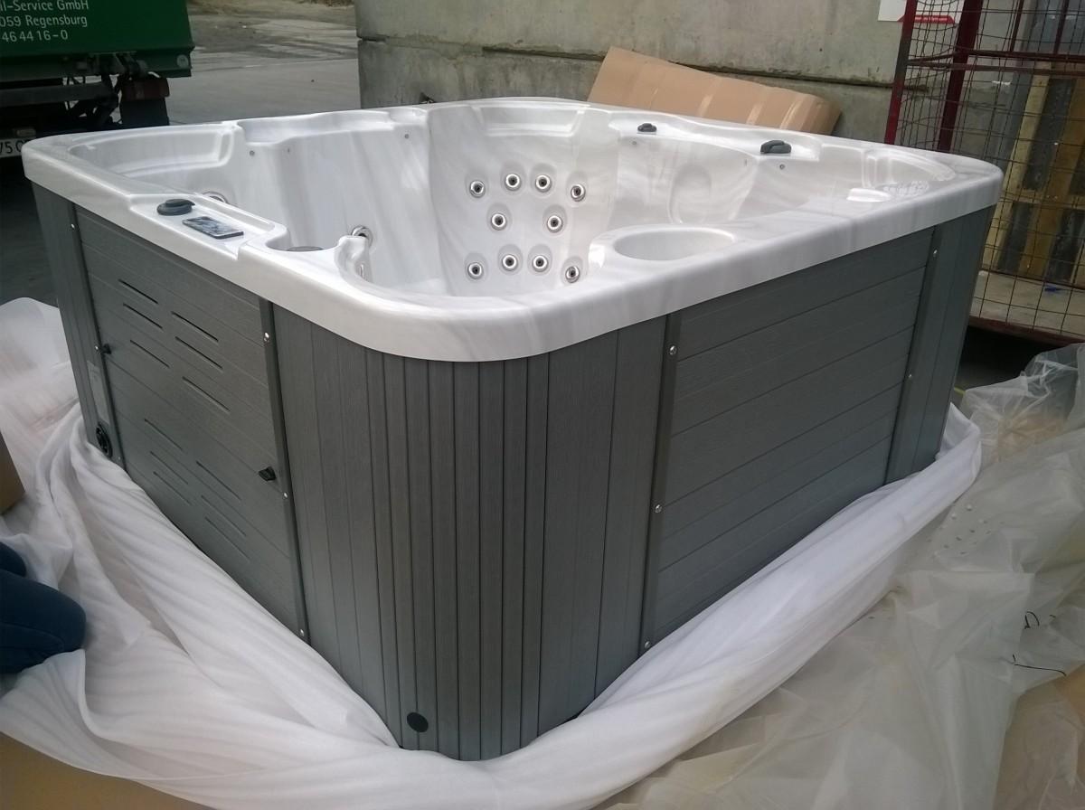Гидромассажный бассейн IQUE Corsica 2000-CFL (200х200х92)