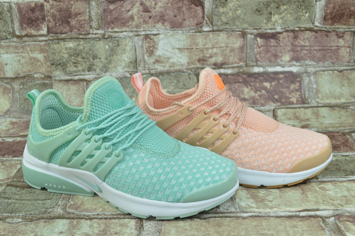 Женские беговые кроссовки Nike Air Presto Найк Престо в 2-х цветах