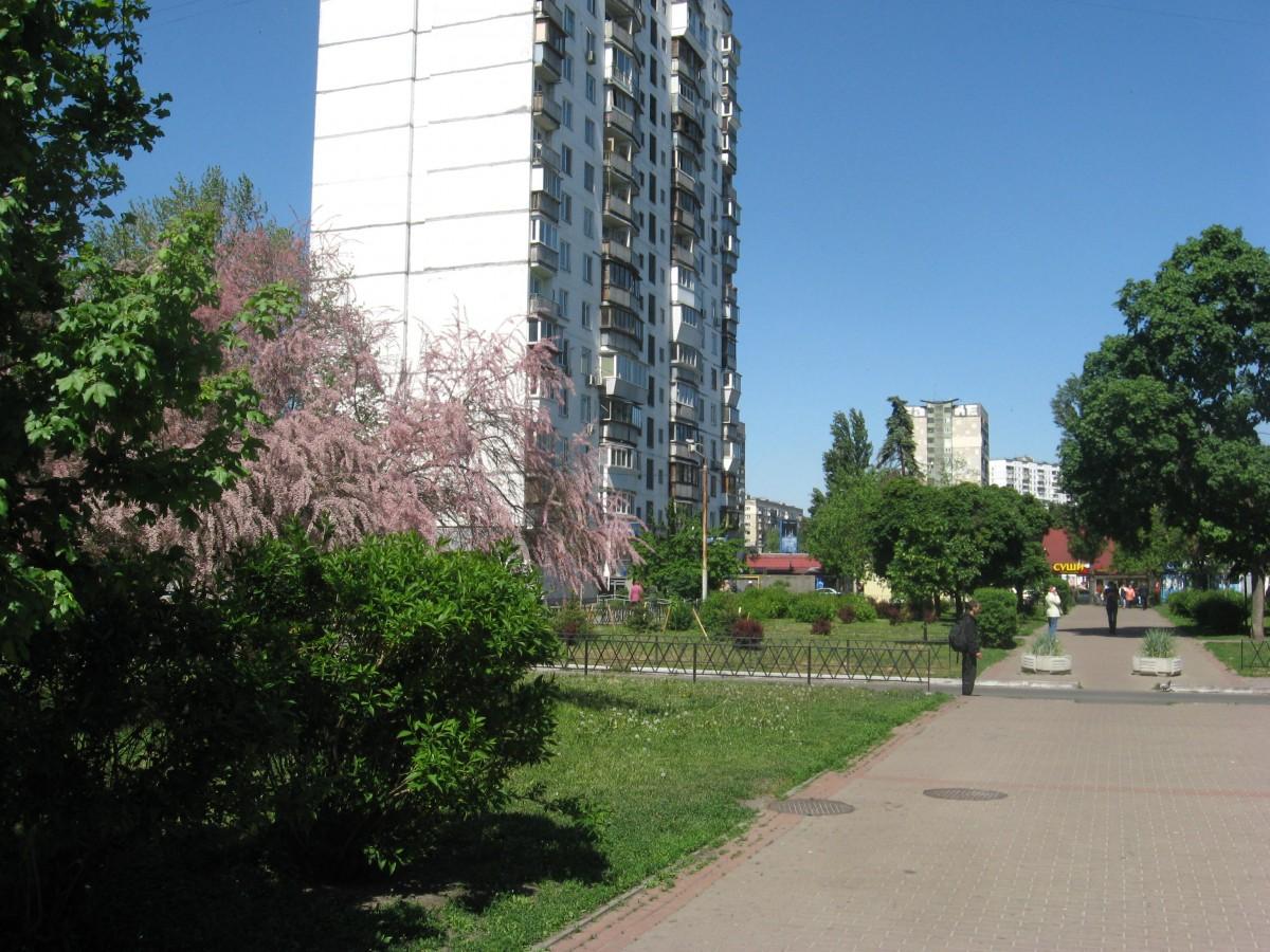 Продажа 1 комнатной квартиры с шикарным видом на Днепр и русановские каналы 12эт из 16 ти