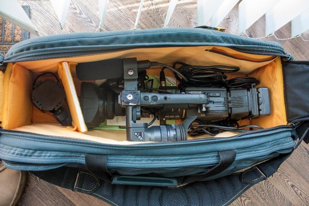 Видеокамера (камкодер) JVC GY-HD251