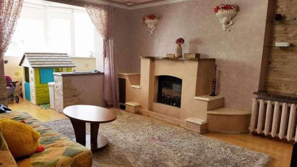 № 3988 Продам квартиру с добротным  ремонтом, встроенная мебель